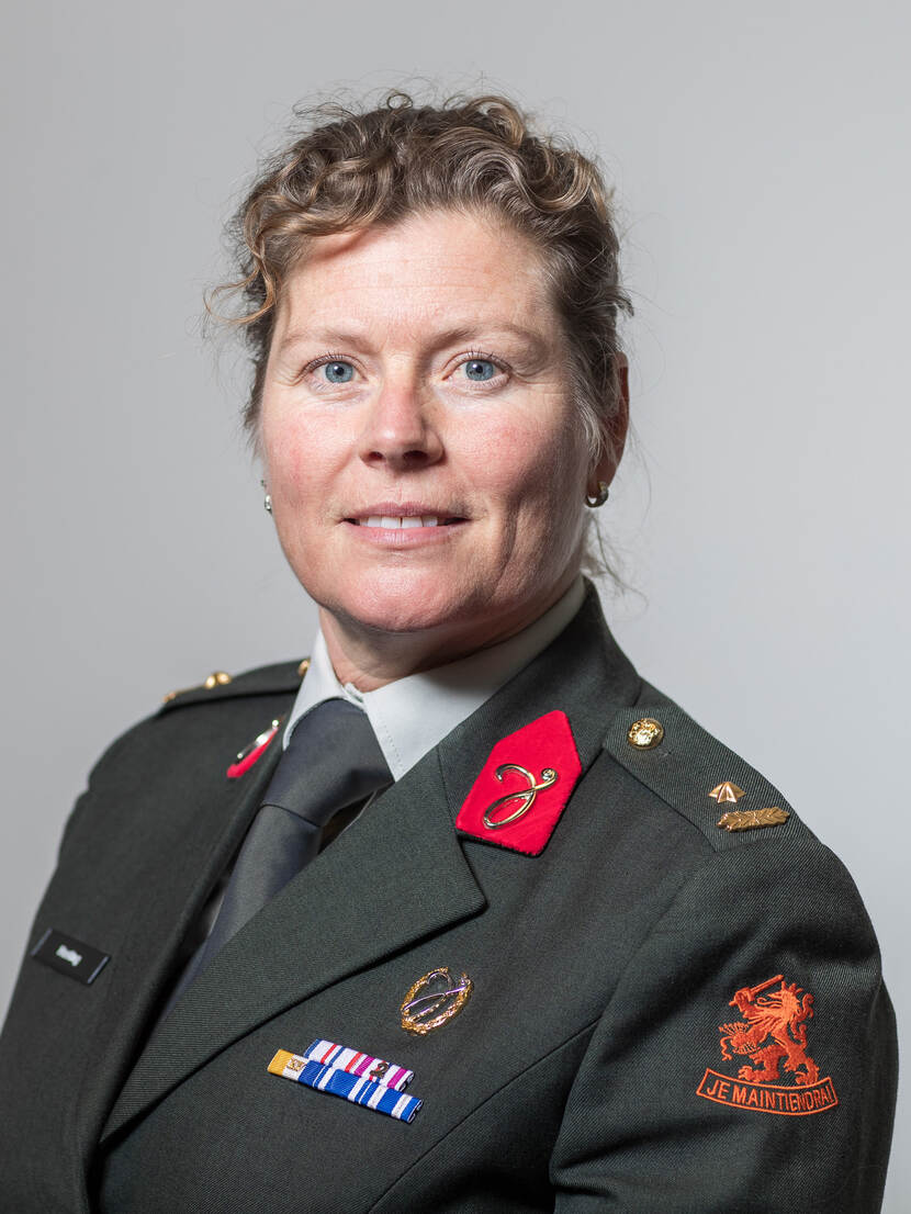 Maj. Drs. M. (Martine) Hueting